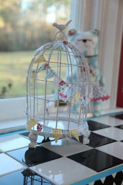 20120117 185431 Birdcages and Buntings